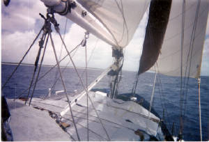 Nesika_at_Christmas_Island_full_sail_4-2001.jpg